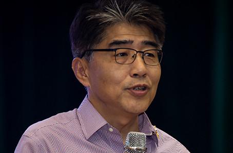 Giám đốc ILO: Công đoàn cần thực hiện chức năng đàm phán tiền lương tốt hơn cho người lao động