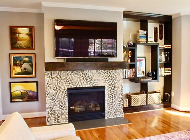 Living room mantle and fireplace detail