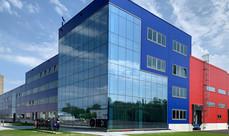 Slavnostní otevření továrny MES na baterie HE3DA proběhne v září