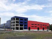 Stavba nejmodernější evropské továrny na výrobu baterií pokračuje