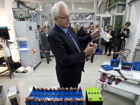 Czechs open production of batteries based on nanotechnology