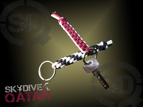Handmade Chain key with Qatar flag or black and white