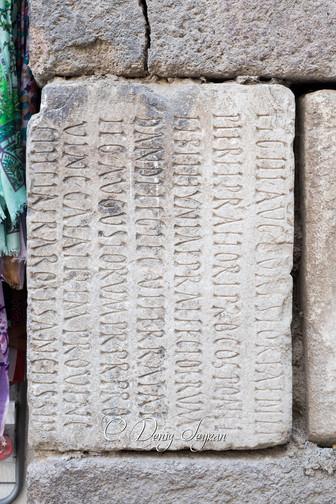 Ankara Kalesi taşları