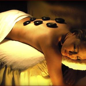 Bienfaits du massage aux pierres chaudes