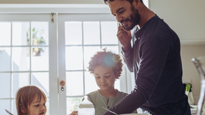 4 Tips for Juggling Parenthood and a New Business Like a Pro