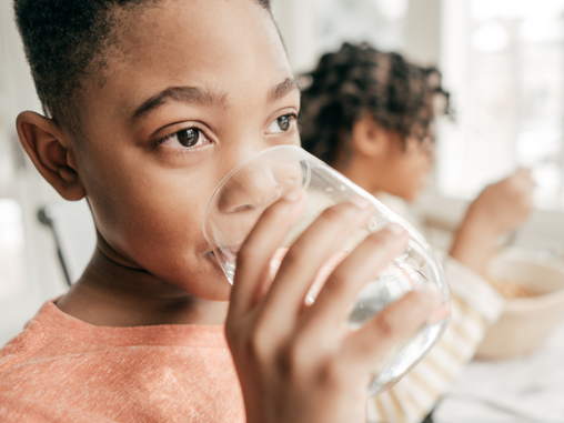 6 Ways to Get Your Children to Drink More Water