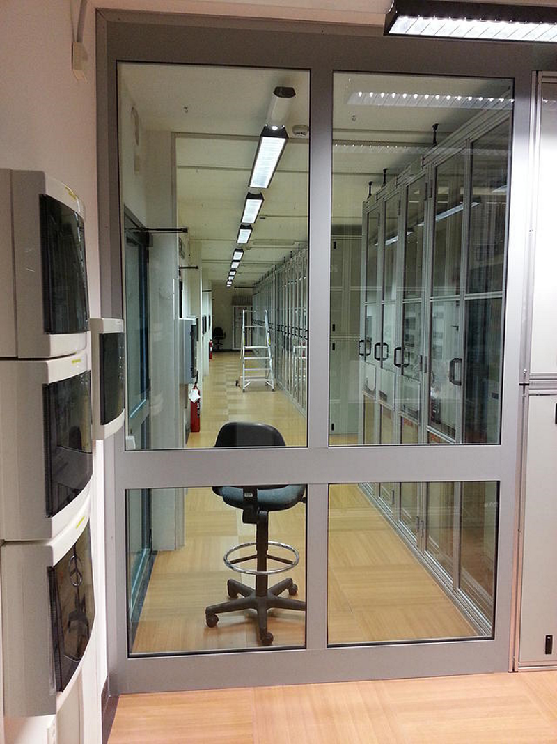 042_parete alluminio vetro