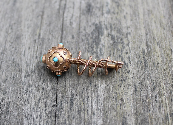 10K Yellow Gold Pin with Turquoise