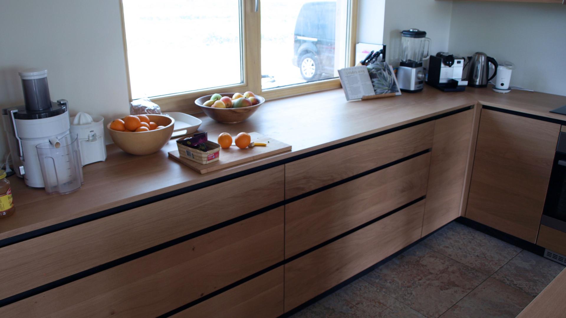 Eiken keuken met keukeneiland