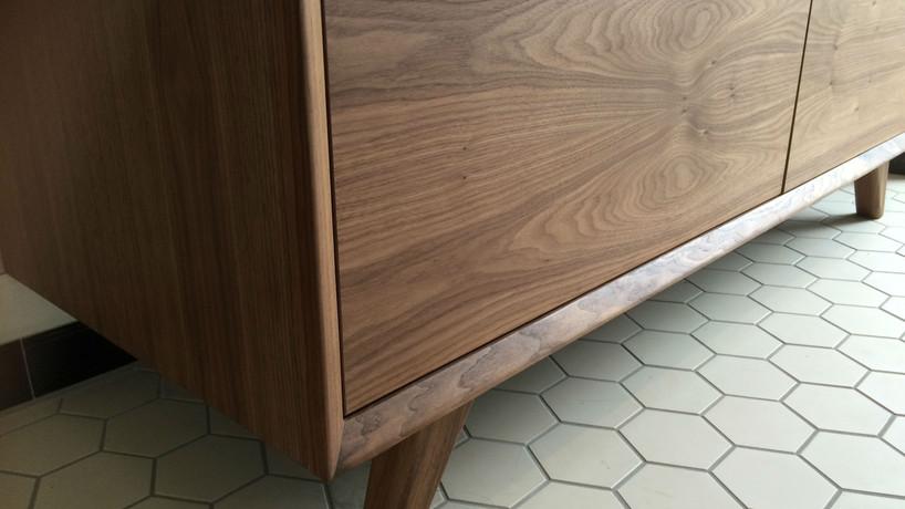 Notenhouten badkamer meubel