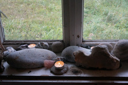 candles, rocks, meditation