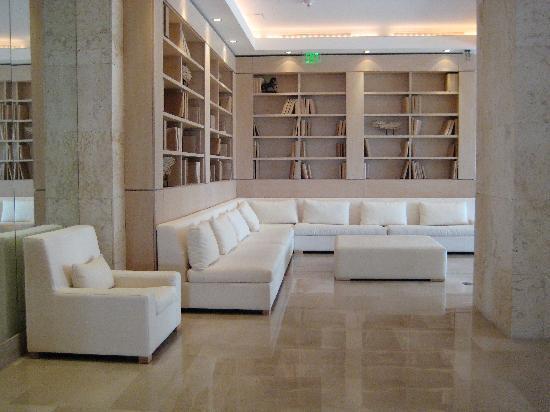 lobby-area-of-grand-beach.67111623_std