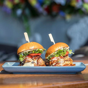 🍔🍔Sliders + a cheeky bevy🍺 $15!_#yass