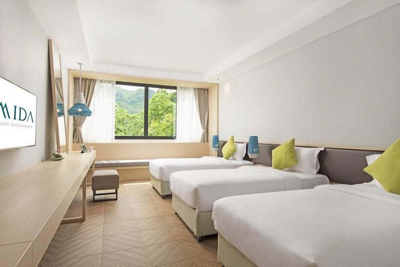 Mida Resort Kanchanaburi Table Lamp 3.jp