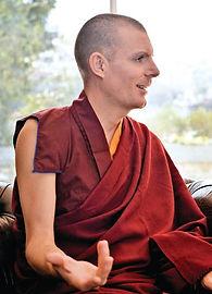 LAMA RINCHEN GYALTSEN Instructor Budismo.jpg