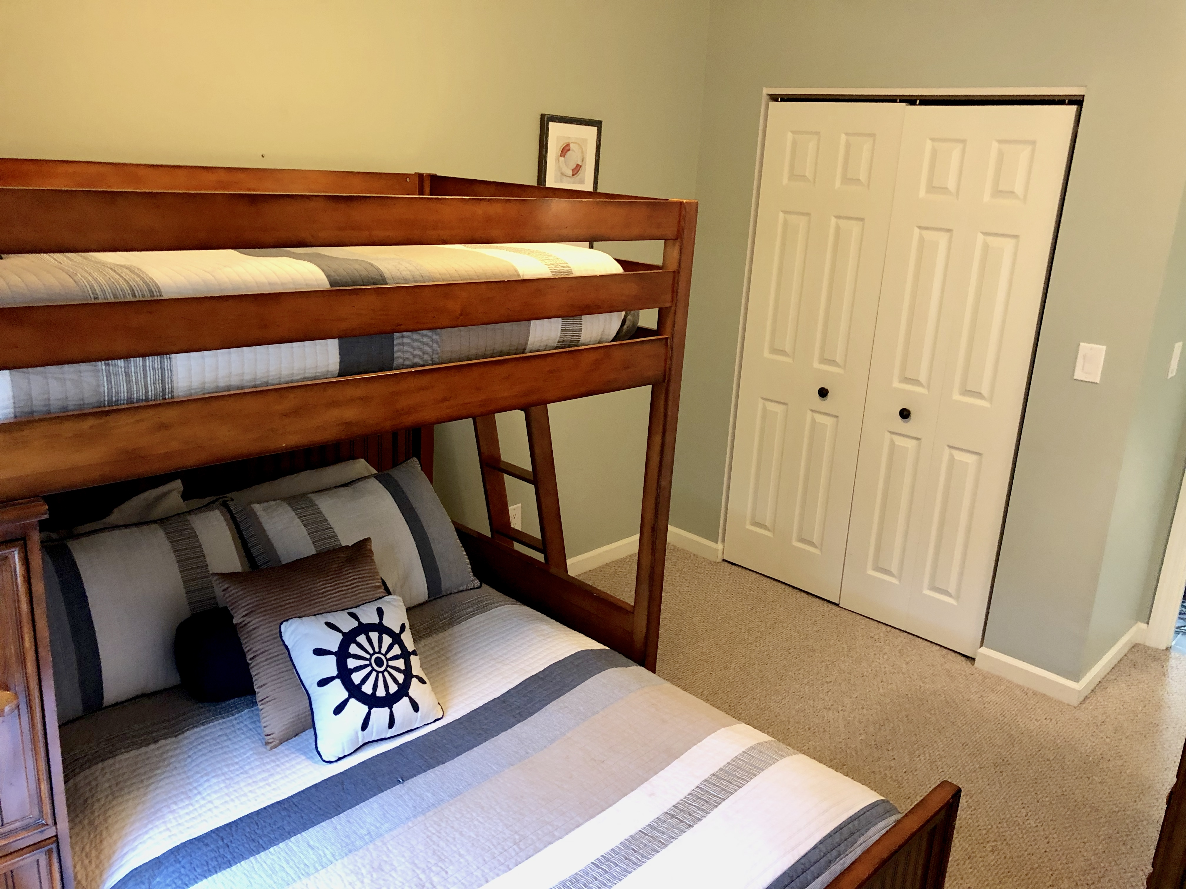 KI Guest Room 2