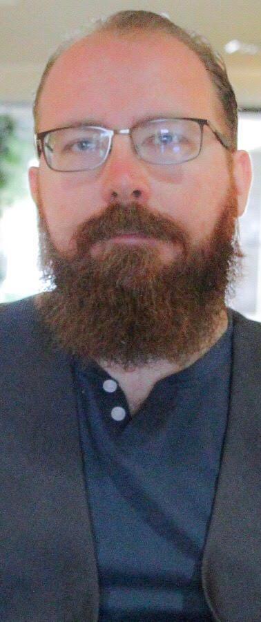 Josh Putnam 2019 Headshot 10.jpg
