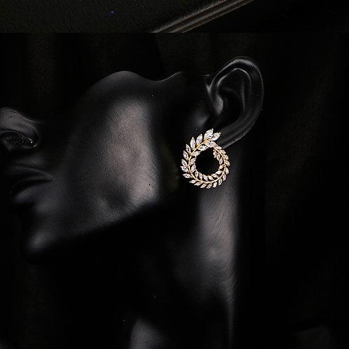 Zirconia flower stud earrrings