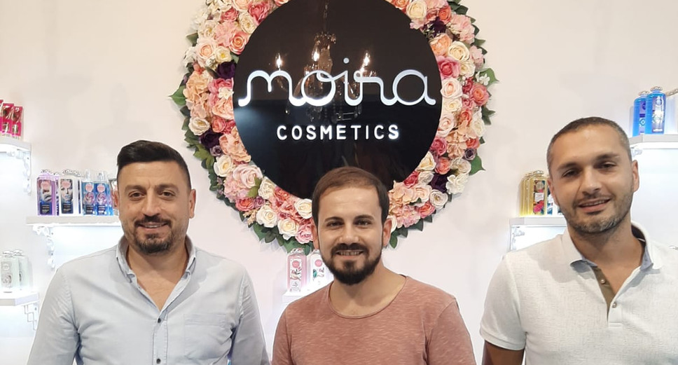Moia Cosmetics Visitors