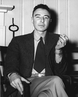 Robert_Oppenheimer_1946.jpg