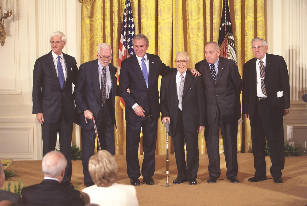 From left to right: Robert M. Edsel, Monuments Man James Reeds, President George W. Bush, and Monuments Men Seymour Pomrenze, Harry Ettlinger, and Horace Apgar at the ceremony for the 2007 National Humanities Medal.