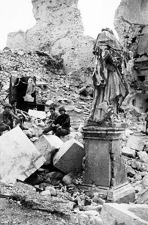 Monte-Cassino-Statue-Full.jpg