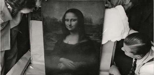 The Mona Lisa after it was recovered on December 10, 1913.