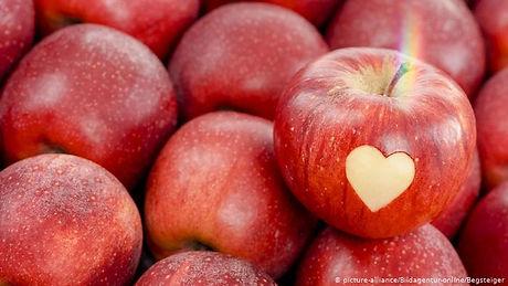 Apples2_edited.jpg