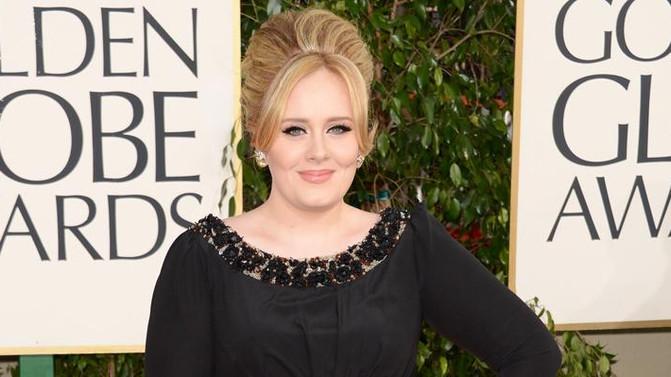 E só mulheres se comoveram?  Hello – Nova música de Adele