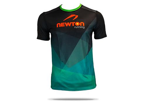เสื้อยืด Newton running (สีดำ)