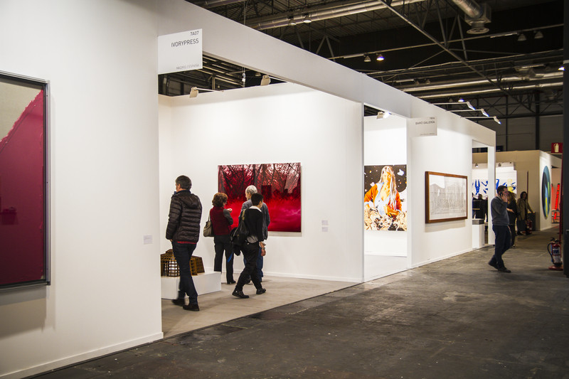 Art markets and art fairs are one path available for professional artists.
