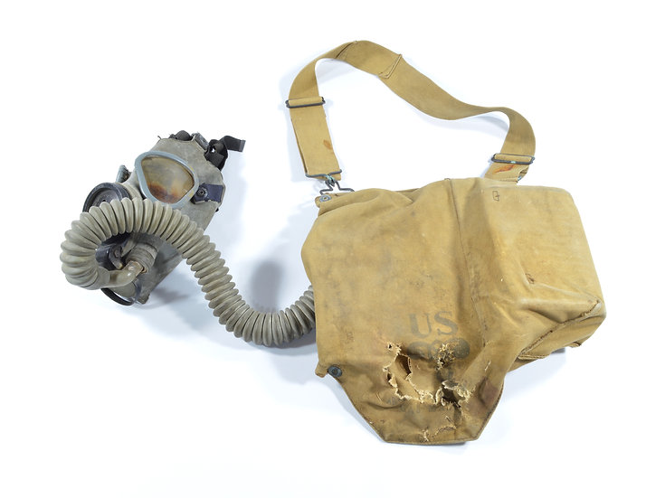Early-WWII U.S. Army Service M1VA1 Gas Mask With Bag