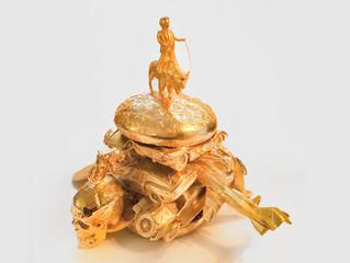 Sculptor Alexander de Cadenet serves up Donald Trump on burger bun