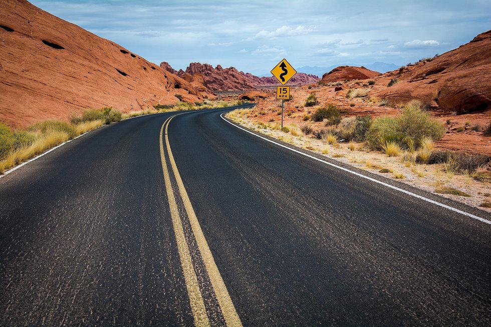 road-1030888_1920.jpg