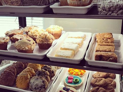 A full bakery case is a happy bakery case #birchandbanyancoffee #coffee #coffeeshop #bakery #treats #treatsfordays