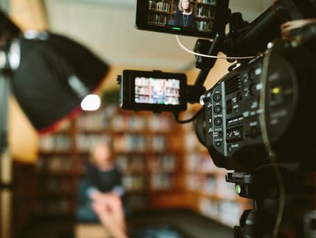 4 astuces pour être à l'aise face à une caméra