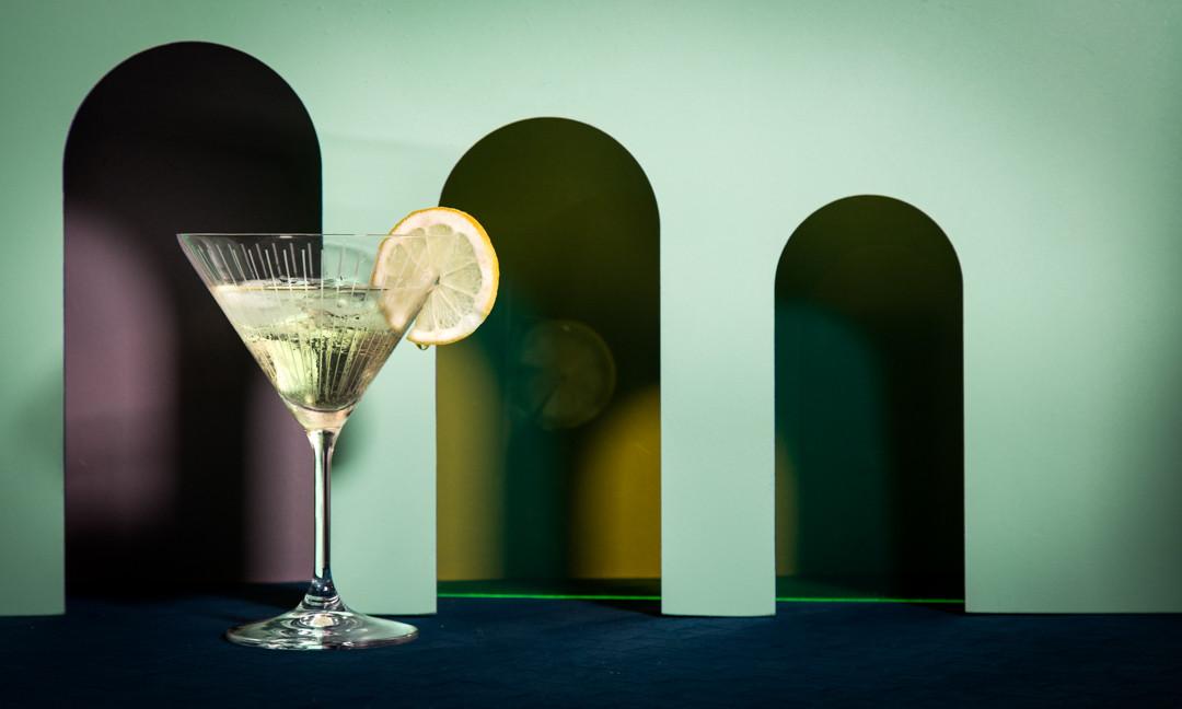 PACKSHOT BOUTEILLE ALCOOL - AUROUZE, LIQUEUR D'ARTÉMÉSIA FAITE À PARIS