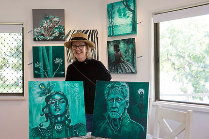 Mandy Pearson with her Artwork