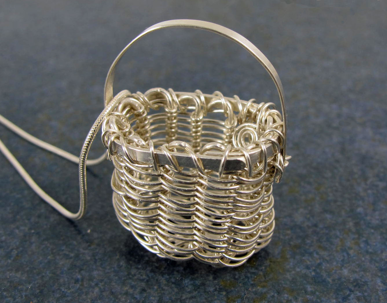 tiny basket2