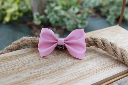 Le pin's noeud Rose