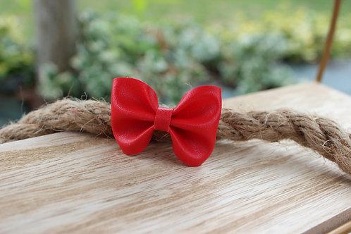 La barrette nœud Rouge