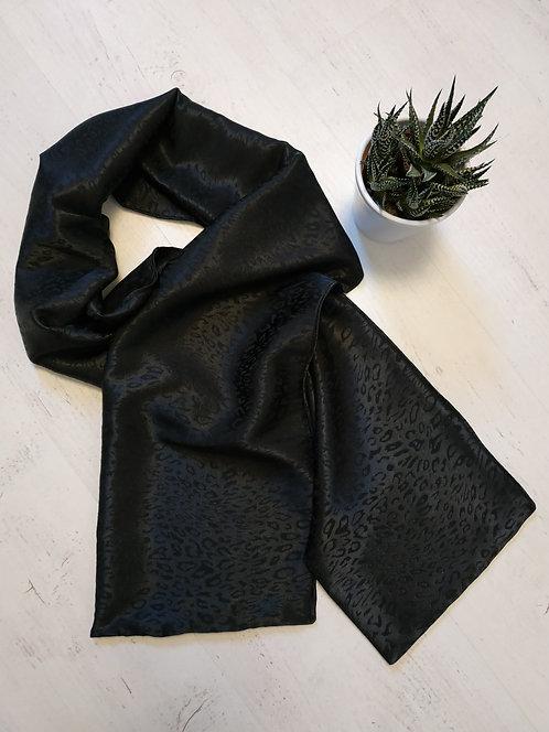 "Le Foulard noir "" Sauvage """