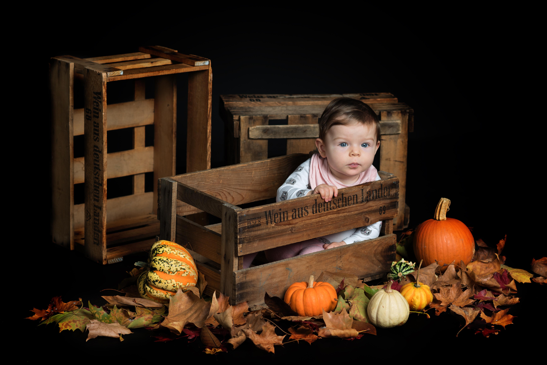 Baby in Weinkiste