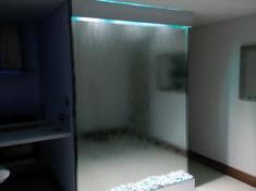 Fuente en espejo RGB .jpeg