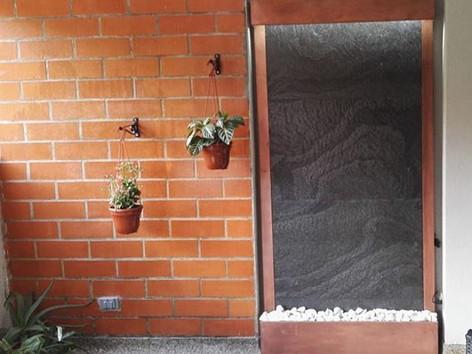 Para interiores y exteriores en piedra 1