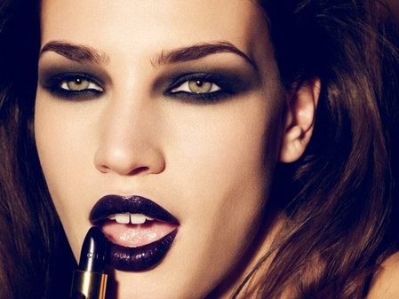 How to rock the dark lip look