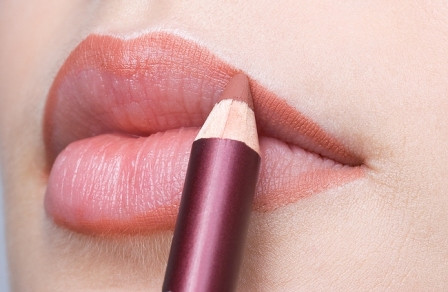 Lining Your Lips