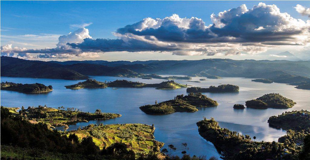 Lake-Bunyonyi