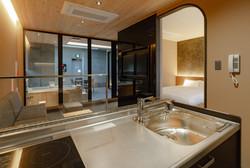 DX Suite Room: Kitchen