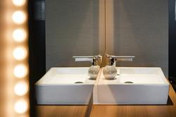 Standard Room: sink